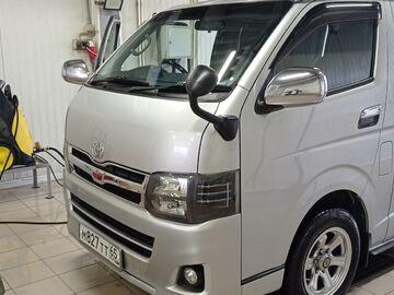 Toyota Hiace, 2012